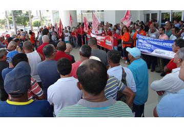 Em ato na Bahia, categoria petroleira reivindica suspensão da cobrança do equacionamento do PP 1 – Confira vídeo