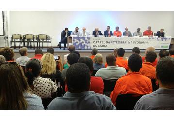 Seminário aponta atuação conjunta de empresariado e trabalhadores contra decisão da Petrobrás