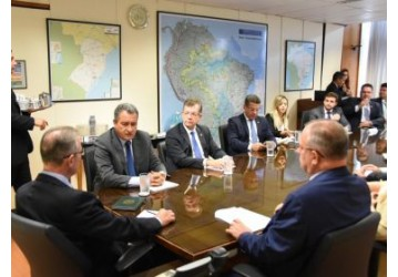 Rui defende Fafen como patrimônio nacional em reunião com ministro de Minas e Energia