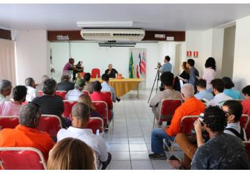 Em Salvador, ex-ministro José Dirceu lança livro e aposta no PT para o segundo turno, com Haddad