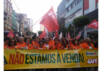 FSM  - abertura reúne milhares de pessoas no centro de Salvador