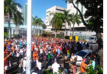 Na Bahia, cerca de 1500 petroleiros participam de ato em defesa da Petros, AMS e contra a privatização da Petrobrás