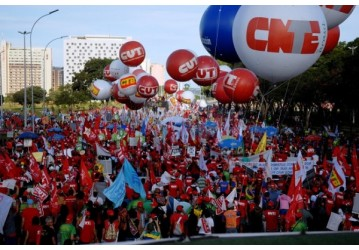 Movimentos sindicais e sociais organizam resistência democrática
