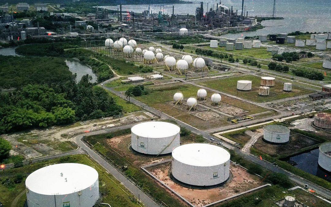 Audiência Pública na ALBA aponta riscos e necessidade de barrar a venda da RLAM e de outros ativos da Petrobrás na Bahia